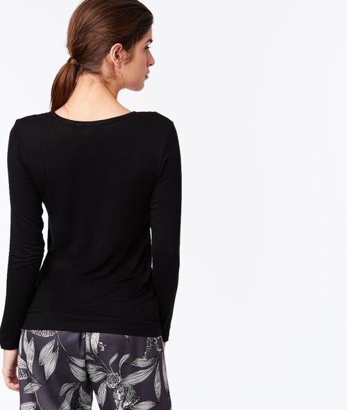 Tričko s výstřihem z grafické krajky