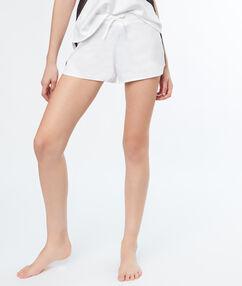 Saténové šortky s kontrastním krajkovým pruhem  blanc.
