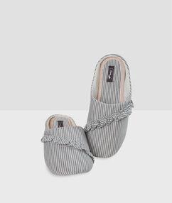 Volné pruhované papuče gris.