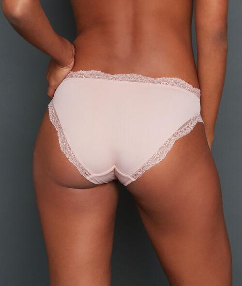 Kalhotky s krajkovým okrajem