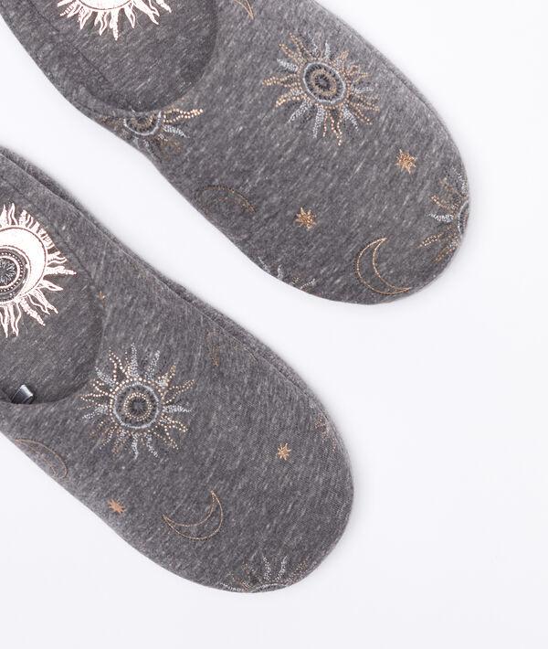 Pantofle s motivem hvězdy