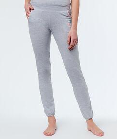 Kalhoty šedá.