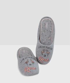 Papuče s potiskem nápis grey.