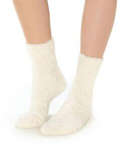 Ponožky ecru.