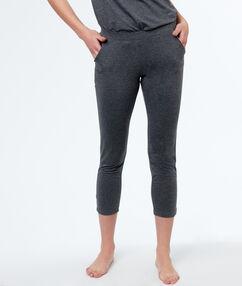 Kalhoty gris.