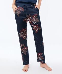 Pantalon de pyjama en satin bleu.