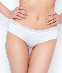 Kalhotky shorty z mikrovlákna s krajkováním bílá.