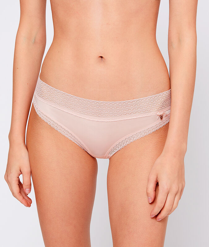 Bokové kalhotky z mikrovlákna s krajkovými okraji pudrově růžová.