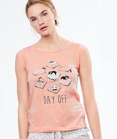 Tričko s nápisem rose.