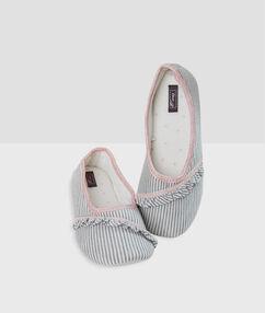 Pruhované papučové balerínky ecru.