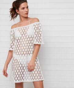 Krajkové plážové šaty ecru.