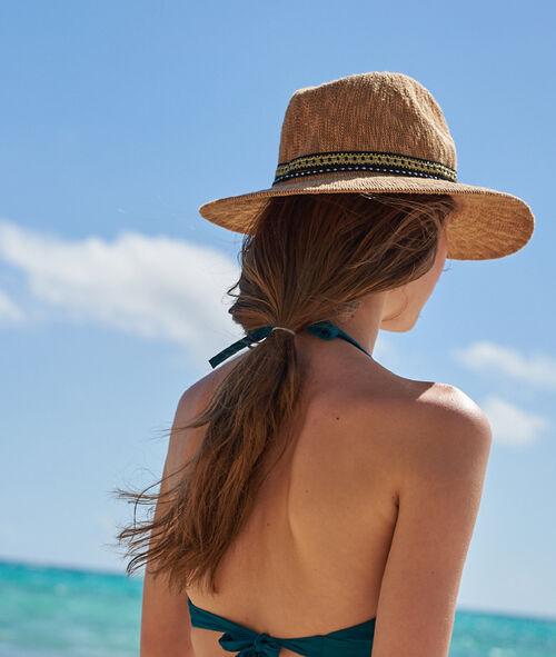 Plážový klobouk sbižuterními detaily
