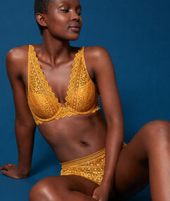 Soutien-gorge n°3 - triangle push-up en dentelle bouton d'or.