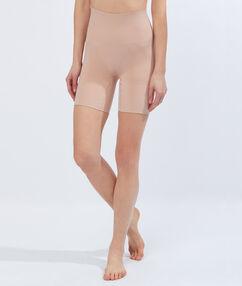 Kalhotky shorty strojím efektem: stehna, zadek, pas tělová.