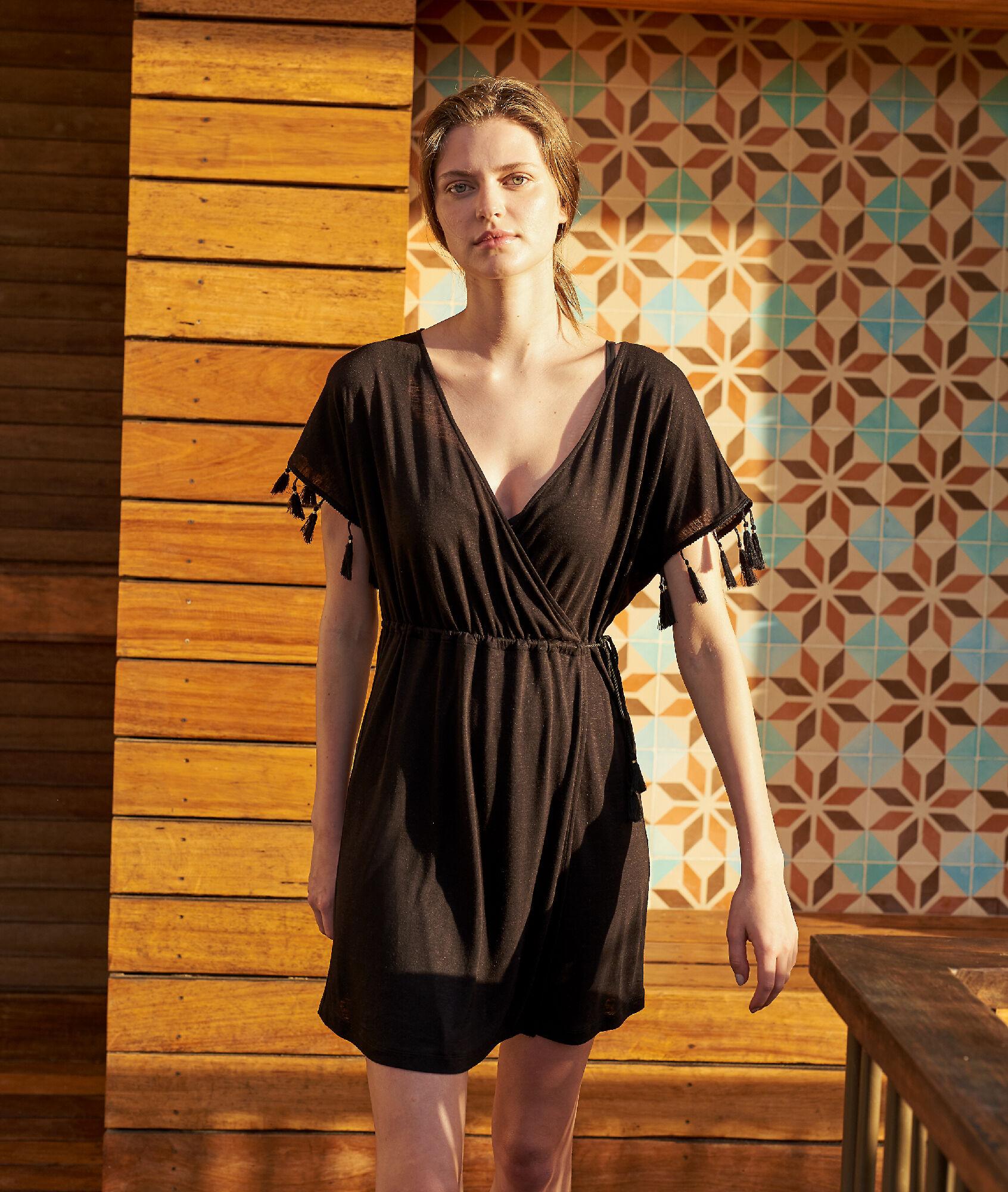 03c6951c00e7 Plážový oděv s výstřihem do V a zády zdobenými grafickou krajkou - Etam