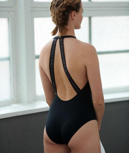 Funkční plavky, tvarující materiál