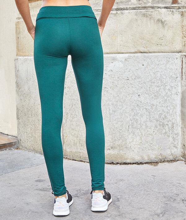 Sportovní kalhoty s kapsami